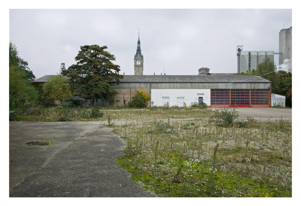 Les anciens garages de la COOP retrouveront bientôt de nouveaux occupants © Arnauld Duboys Fresney