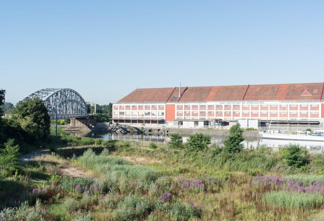 «Bâtiments du port autonome sur le bassin Vauban» ©David Betzinger
