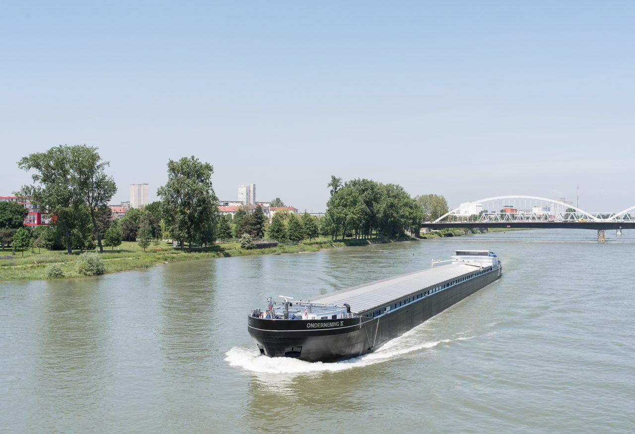 Le Rhin, fleuve européen, traverse six pays avant de se jeter dans la mer du Nord © David Betzinger