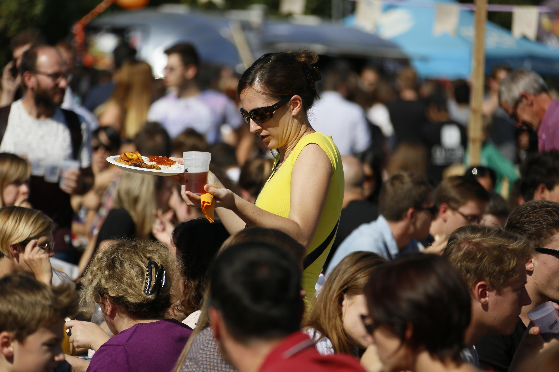 Deux jours de découvertes culinaires et artistiques au festival Streetbouche (crédits : SPL Deux Rives - Vincent Muller)