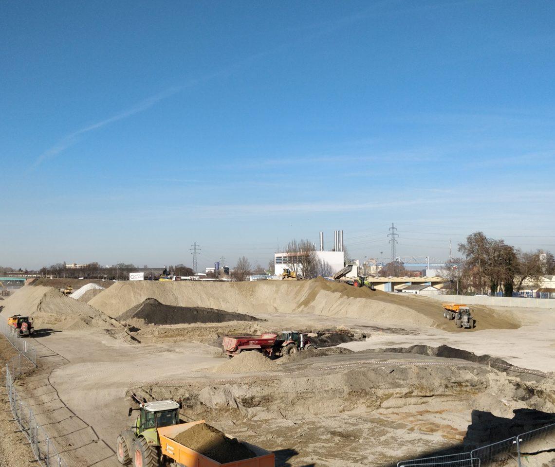 L'excavation des terres à traiter. © SPL Deux-Rives