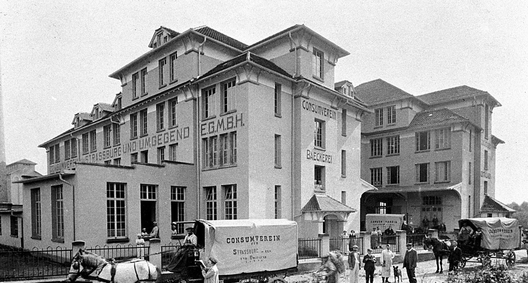 Le bâtiment de l'Administration au début du XXe siècle.