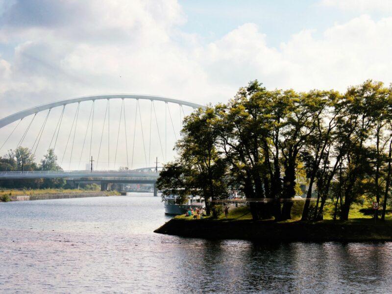 Vue de Citadelle du côté de la proue avec le Pont André Bord au fond. Crédits photo Agence TER