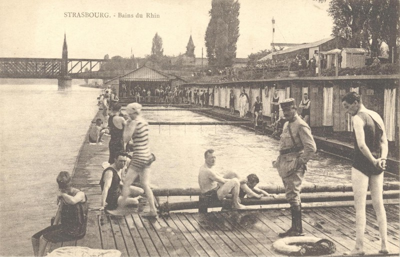 Archive photo of Rhine bathers. Credit: Strasbourg City Archives
