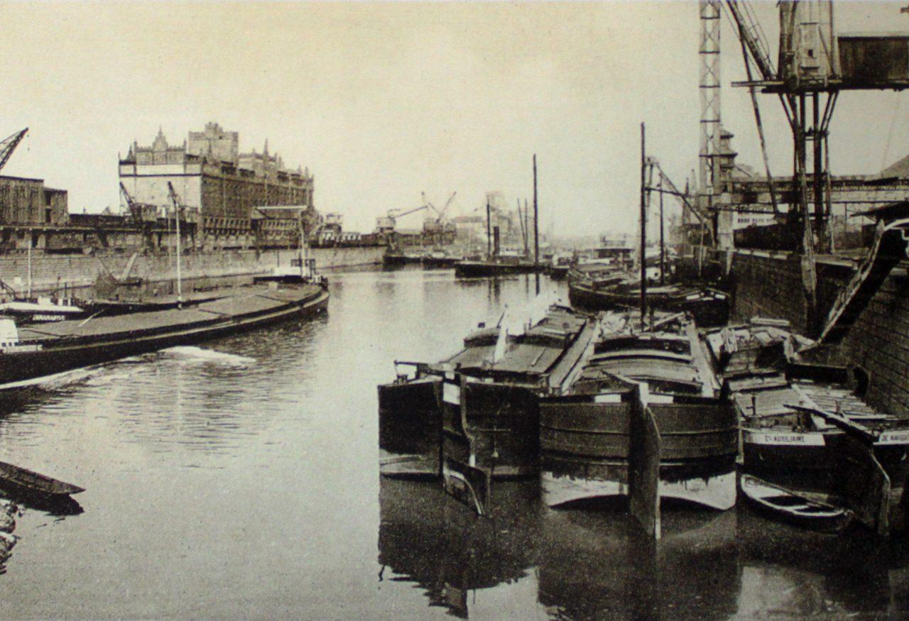 Blick auf das Hafenbecken des Port Autonome de Strasbourg, Copyright Archiv der Stadt Straßburg