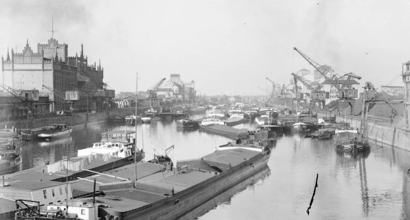 Vue sur le bassin du Commerce avant 1939 - Crédits Archives de la Ville de Strasbourg