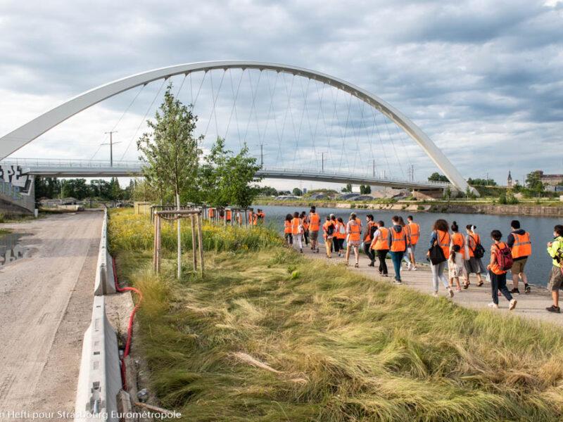 La promenade des quais au premier plan avec le pont André Bord en arrière-plan. (Crédits photo : Ville et Eurométropole de Strasbourg)